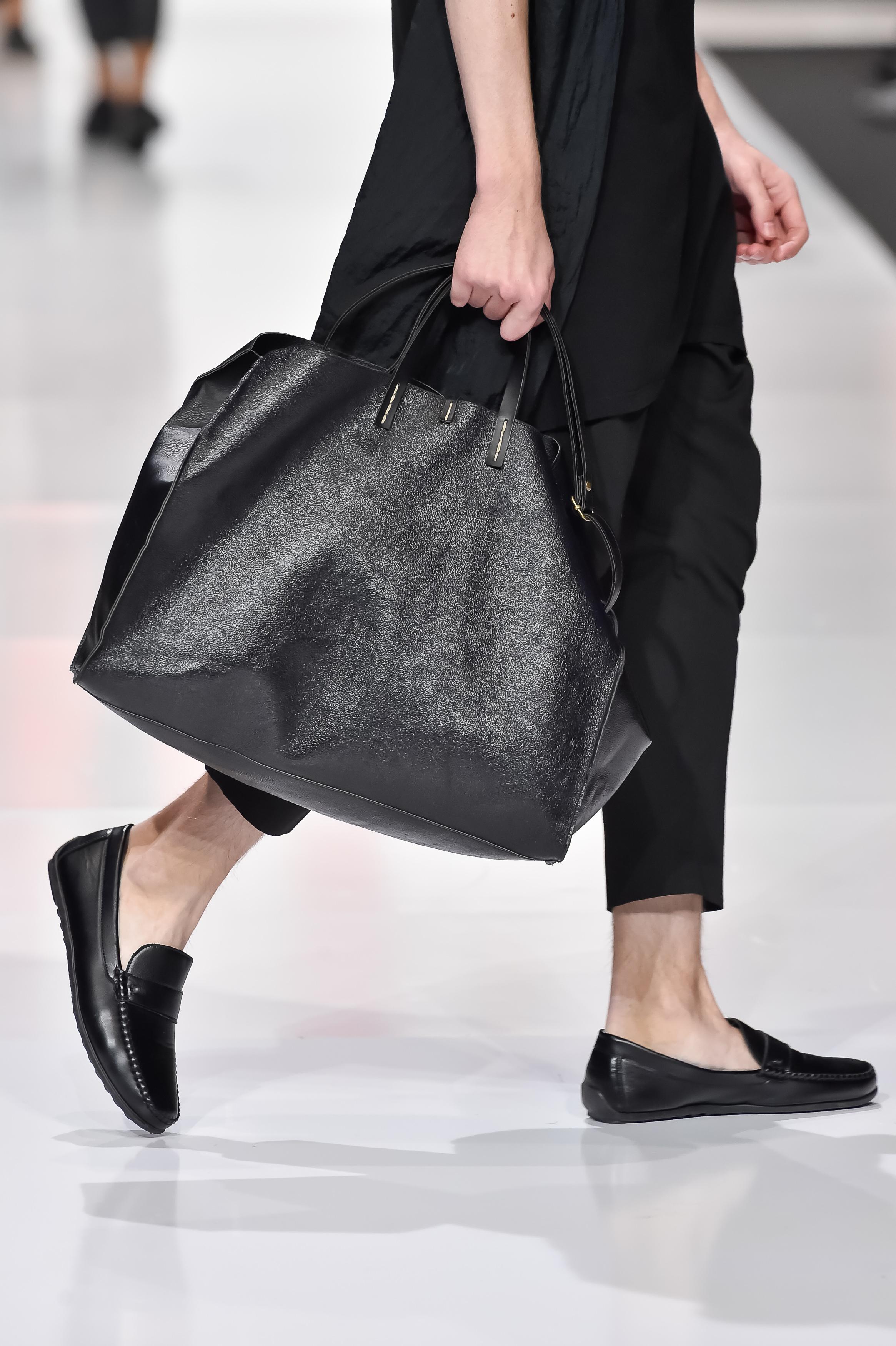 0ac655792ac1 Программа четвертого дня Недели моды в Москве включила в себя не только  демонстрацию новых тенденций сезона весна-лето 2018, но и новые тенденции в  ...